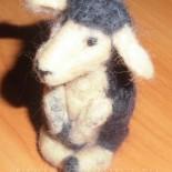 Игрушка «Овца» (сухое валяние из шерсти)